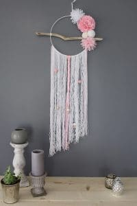 ATTRAPE REVE MARCEL MEDUSE DECORATION POMPON BLANC ROSE