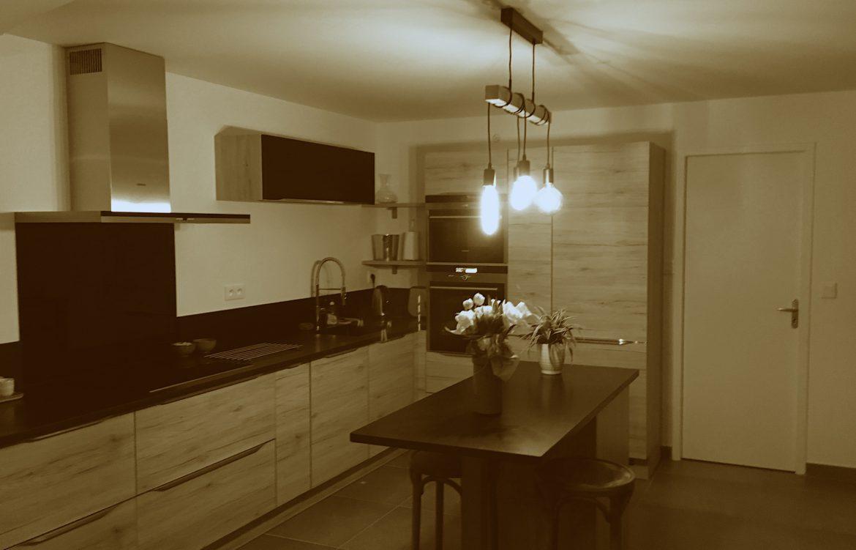 projet d co une cuisine ouverte et toute en longueur jolies babioles. Black Bedroom Furniture Sets. Home Design Ideas
