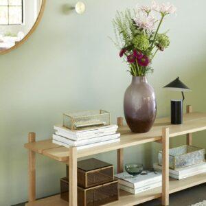Miroir avec cadre en bois et attache en cuir